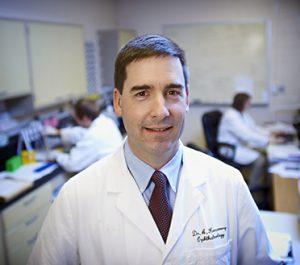dr Komaromy